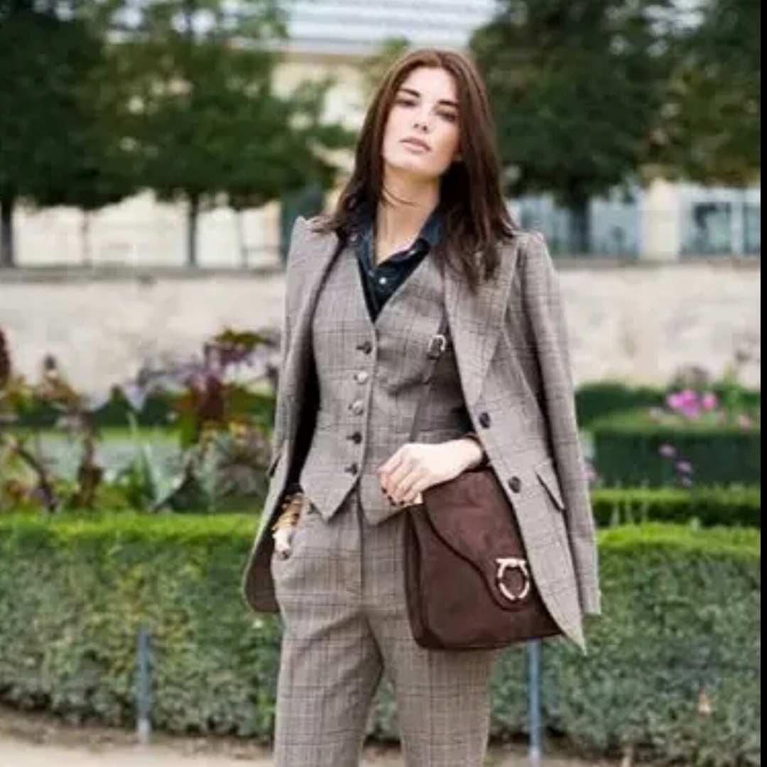 confidentwoman24487
