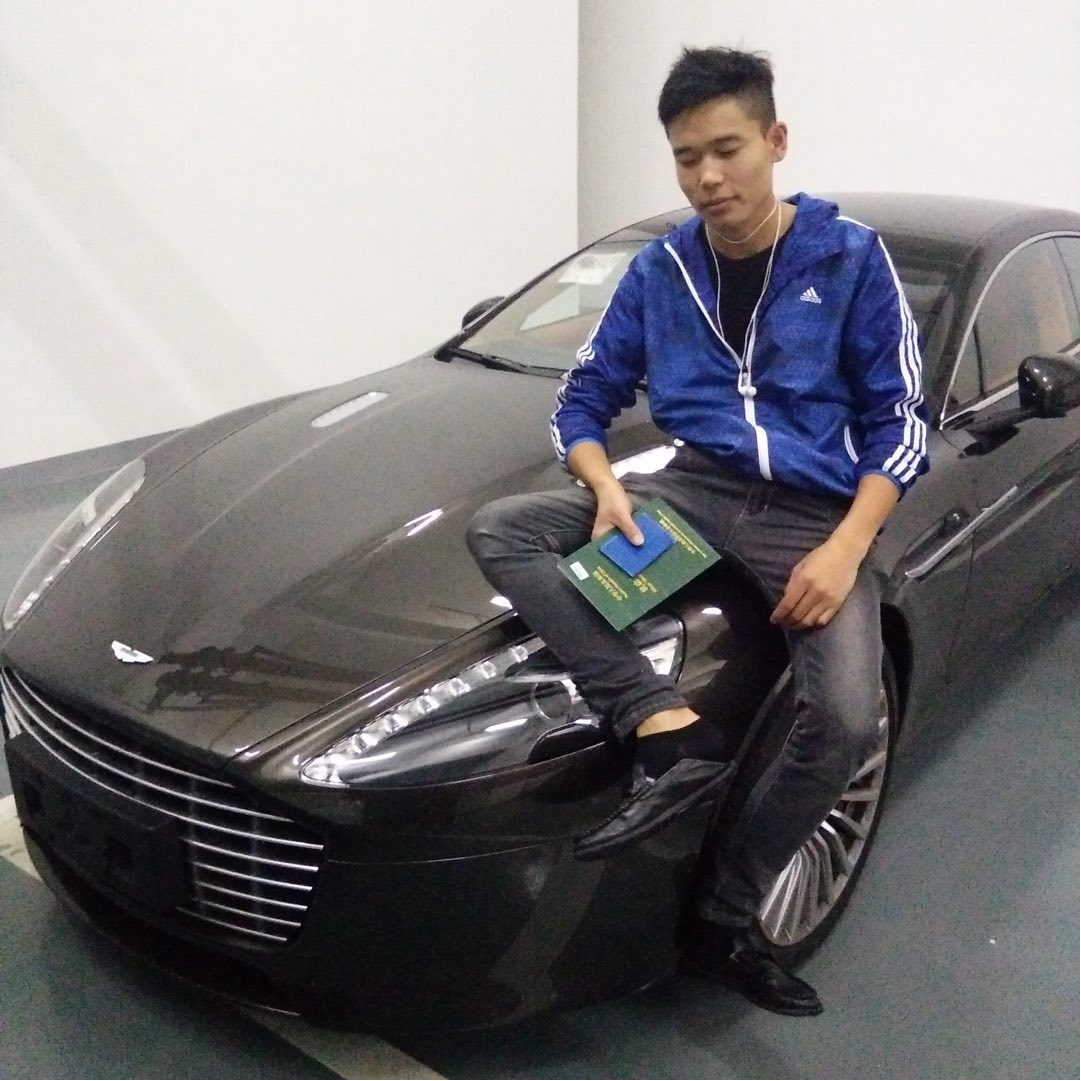 上海阿丁途汽车销售有限公司