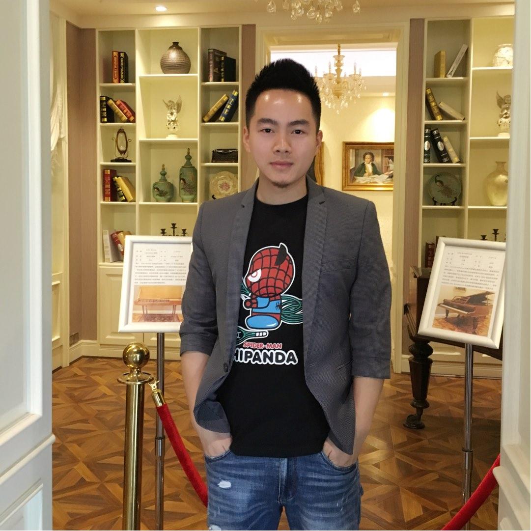 珠江钢琴刘老师