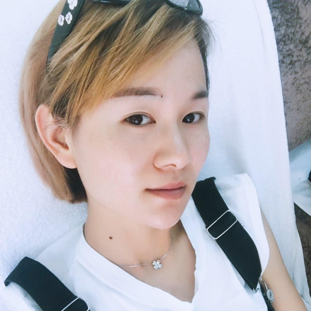 黄小雨05269